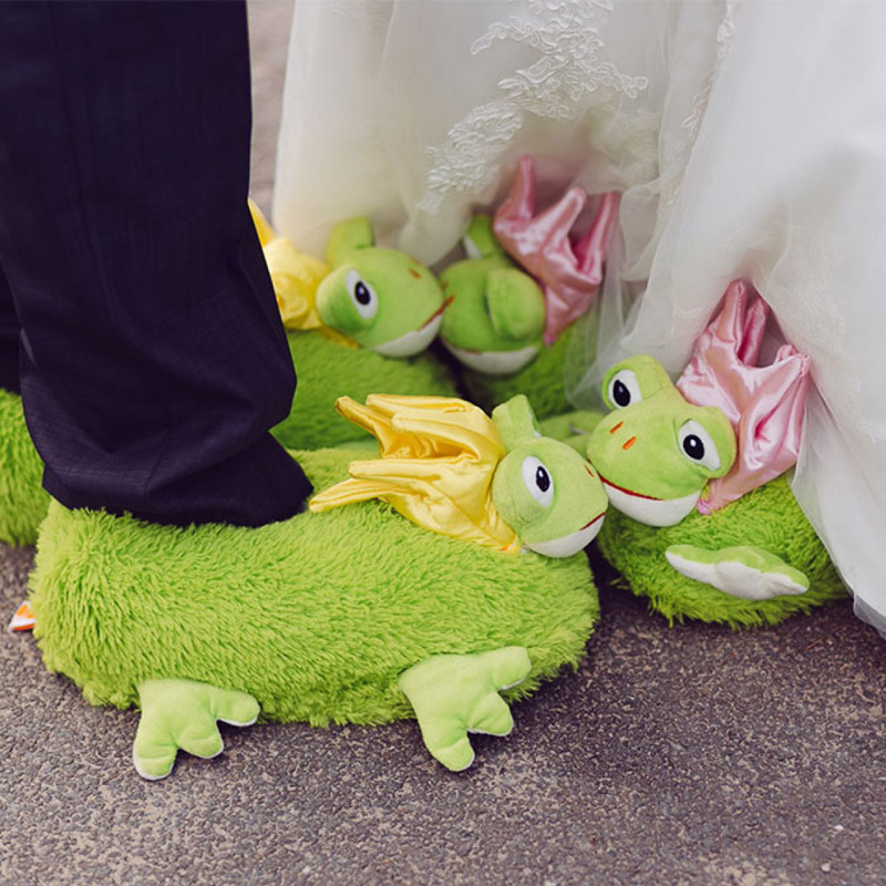 plush funny frog slippers